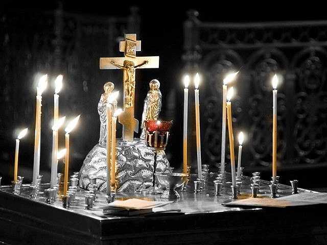 Дела текущие: первые похороны в доме и должники
